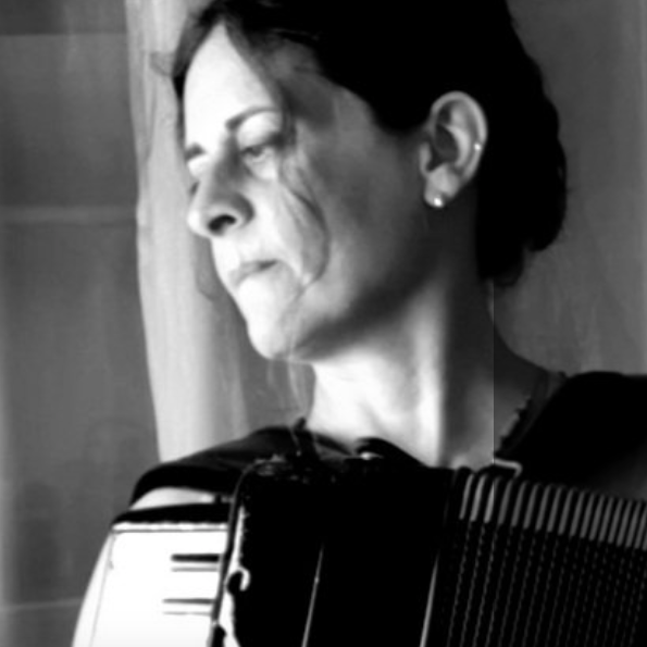 Désirée Infascelli insegnante di fisarmonica