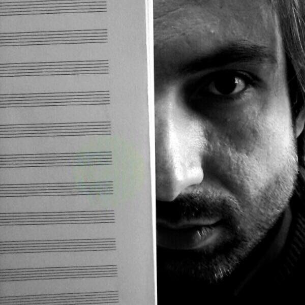 Marco Giannoni insegnante di musica applicata, chitarra classica e moderna, basso, orchestra junior e laboratorio rock