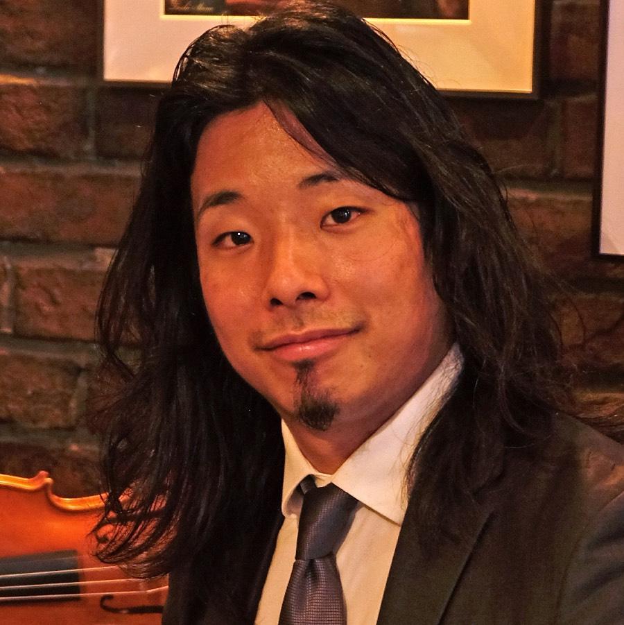 Soichi Ichikawa insegnante di violino Photo by Toshi Shino