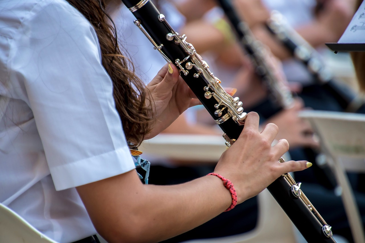 Ragazza della nostra orchestra Roma corso di clarinetto