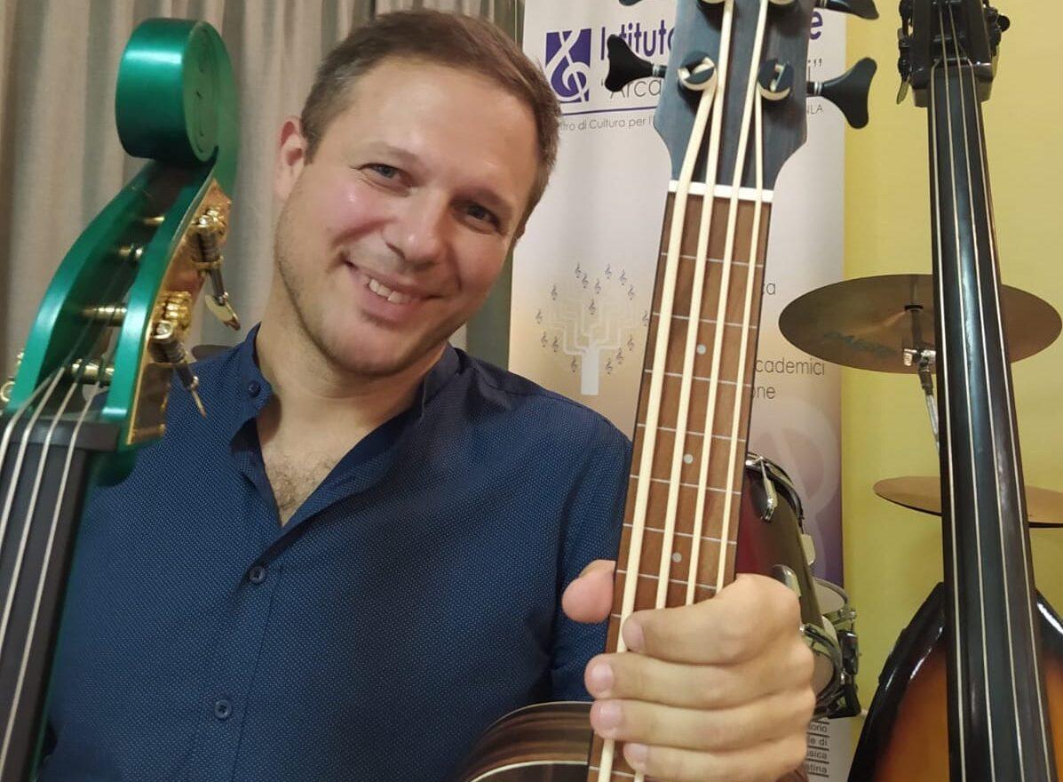 Corso di minibass ukulele basso e contrabbasso a Roma